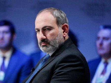 """""""Paşinyan Moskvaya öz problemləri üçün gedir"""" - Zakaryan"""