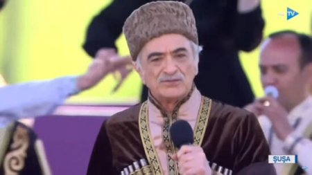 Polad Bülbüloğlu Şuşada mahnı oxudu