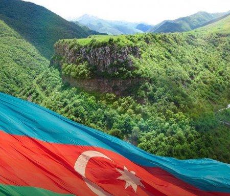 """4 general """"Kəlbəcərin azad olunmasına görə"""" medalı ilə təltif edildi"""