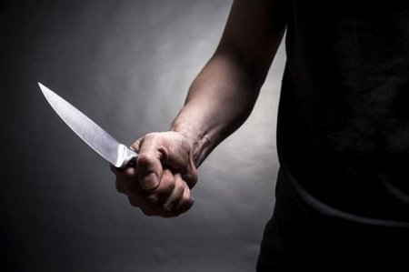 Samux sakini həmyerlisini bıçaqladı
